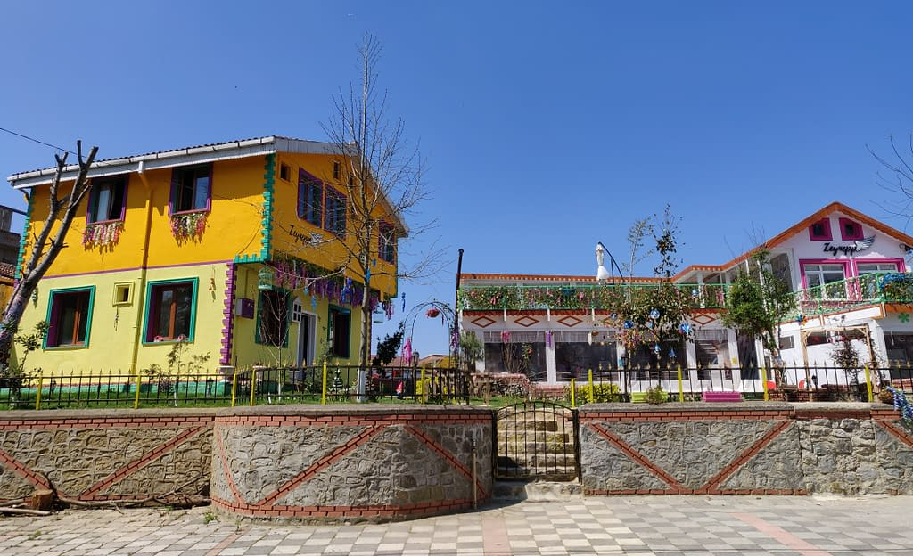 In Polonezköy you will find small boutique hotels.