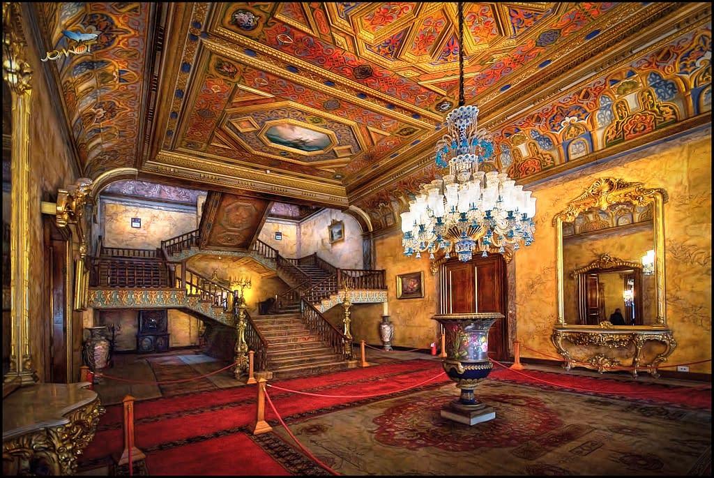 Beylerbeyin palatsin sisääntuloaula, Istanbul. Kuva Joanot Bellver.