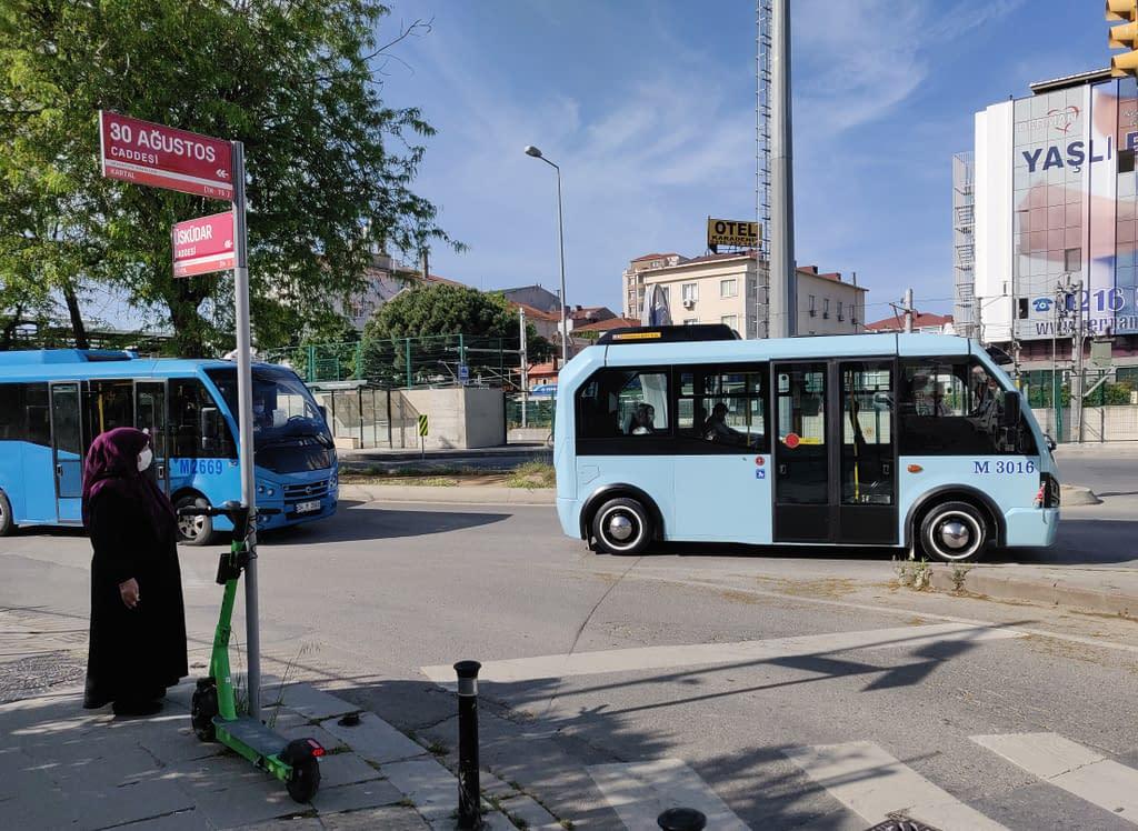 Dolmuş pikkubussi Istanbulissa.