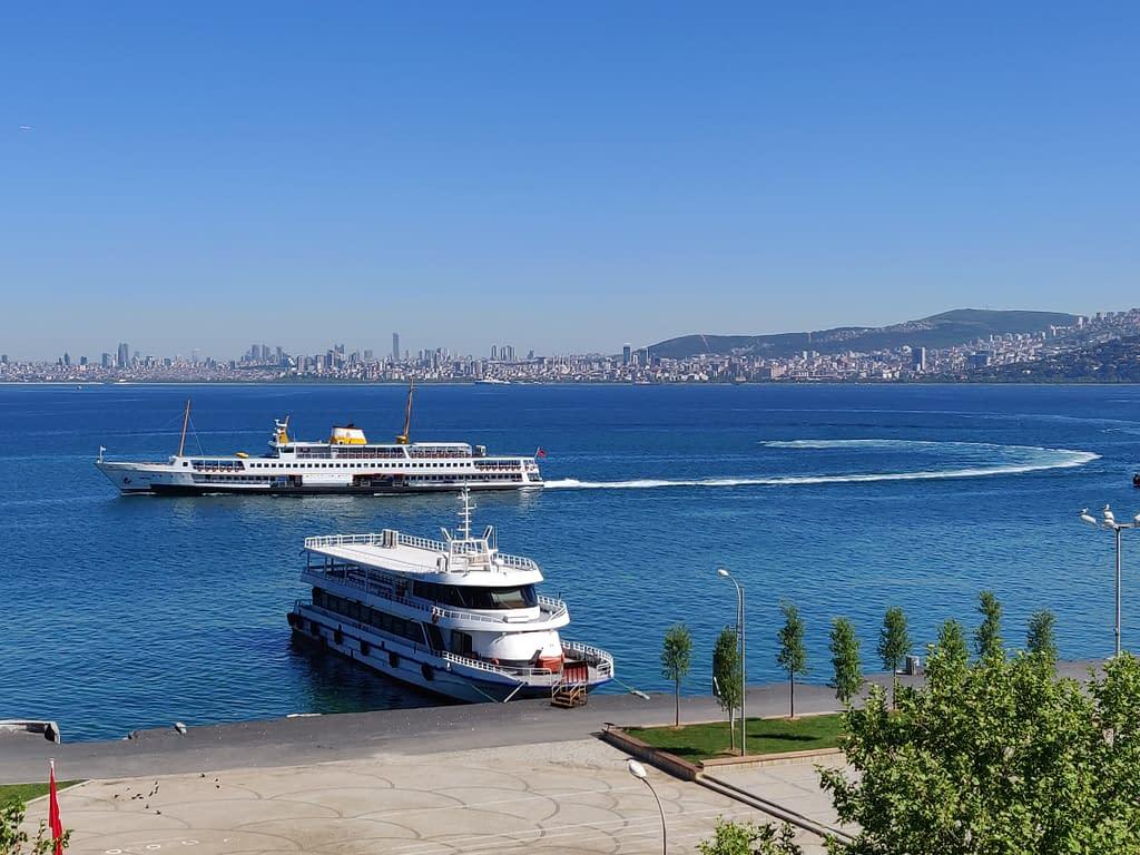 Büyükada ja Marmaranmeri Istanbulissa.