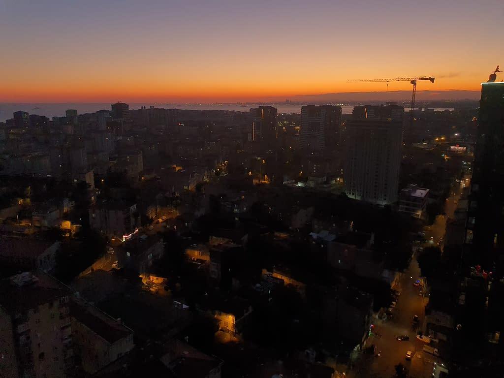 The view of Kadıköy at sunset. The photo was taken in one of Kadıköy's neighborhoods, Fikirtepe.
