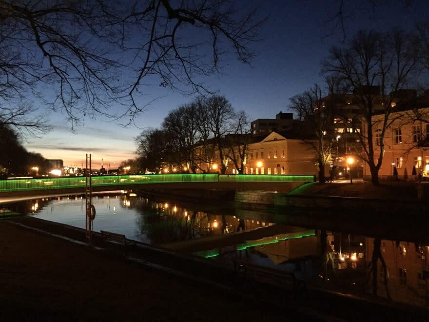 Kirjastosilta bridge in Turku at evening